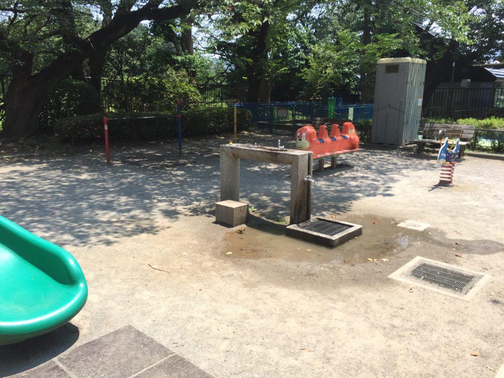 千鳥ヶ淵公園の水飲み場3