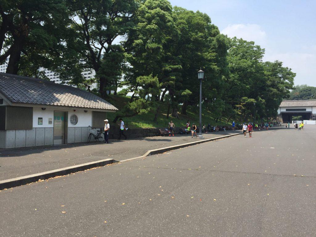 桜田門前広場のトイレ